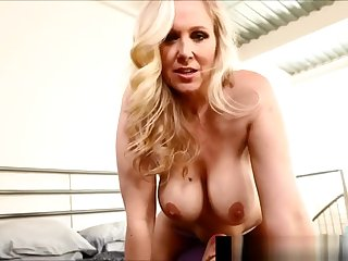 Tit Fucked Milf Julia Ann Gets Cock in Cleavage!