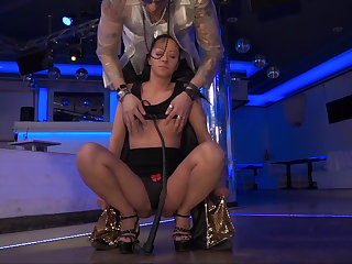 BDSM session with a deviating MILF brunette