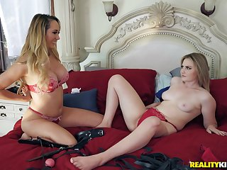 Blindfolded Brett Rossi and Britney Orientation thither turns fucking four guy