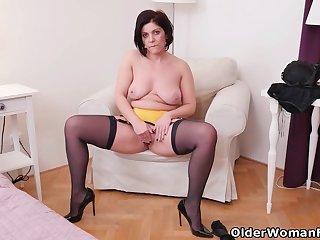 An experienced woman means fun part 155