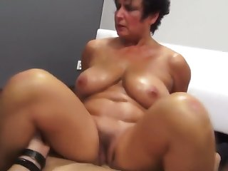 Be in charge MILF oils up and fucks