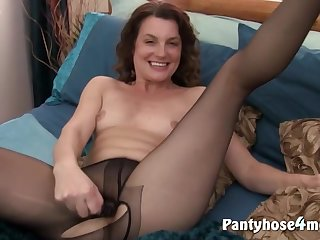Watch What This Whore Did To Herself - fetish