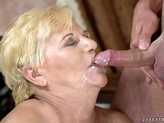 Young stud has a surprise be required of unrevealed granny Lili