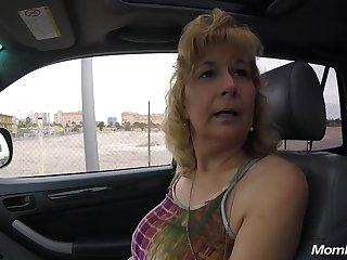 Mom Bimbo Wants Prick - ANALDIN